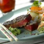 Grillad tonfisk med nudelsallad och wasabi